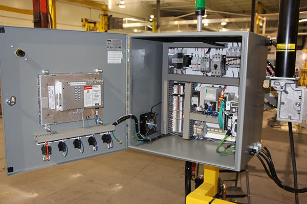 torque arm servo controls by Givens Lifting Systems Inc.