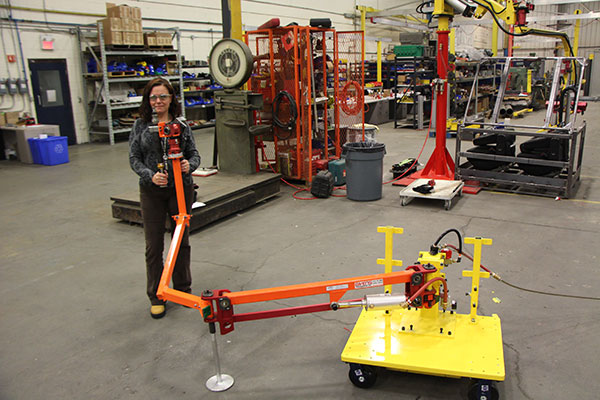 Torque arm mounted on a mobile base by Givens Lifting Systems Inc.