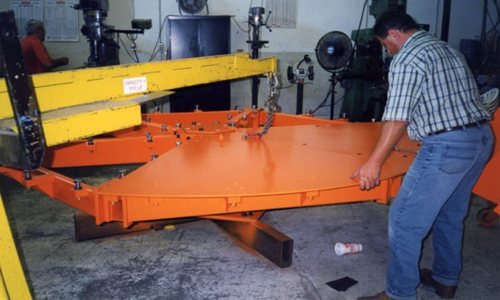 custom heavy turntable by Givens Lifting Systems Inc.
